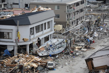 Japanase earthquake and tsunami aftermath